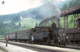 Dampfzug mit Menschen ca. 70er