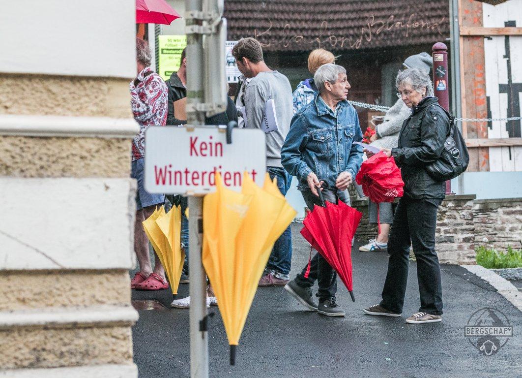 Besucher_Eröffnung Zeitlupe_Rostfest