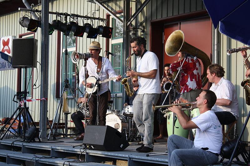 express_brass_band_8_800px